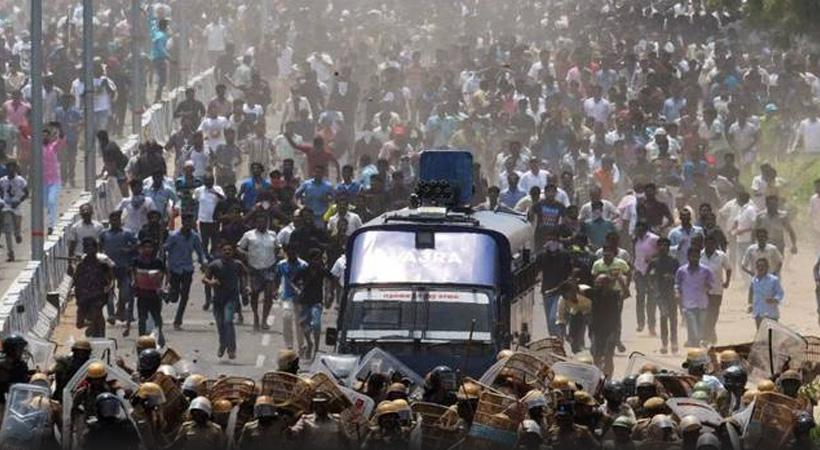 Breaking News തമിഴ്നാട്ടിലെ തൂത്തുക്കുടിയിൽ പോലീസ് വെടിവയ്പ്; പതിനൊന്നുപേർ കൊല്ലപ്പെട്ടു
