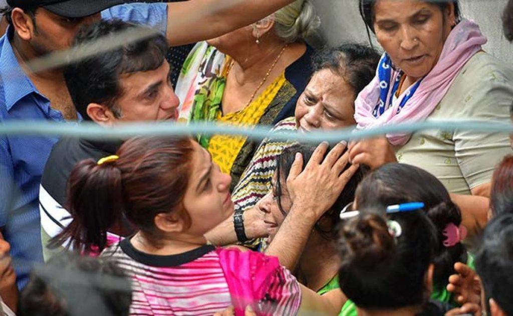 ഡല്ഹിയിലെ കൂട്ടമരണത്തില് ദുര്മന്ത്രവാദത്തിന് പങ്കെന്ന സംശയമുയര്ത്തി പൊലീസ്
