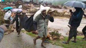 <b>പെട്ടിമുടി മണ്ണിടിച്ചിൽ: 12 പേരെ രക്ഷപ്പെടുത്തി; 58 പേർ മണ്ണിനടിയിൽ കുടുങ്ങി കിടക്കുന്നതായി റിപ്പോർട...</b>