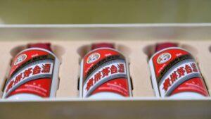 <b>മാവോ സേതൂങ്ങിന്റെ 'പ്രിയ പാനീയം', ചൈനയിൽ നിന്നുള്ള മദ്യം ലേലത്തിൽ വിറ്റുപോയത് 10 ലക്ഷത്തിനും മുകളിൽ ...</b>